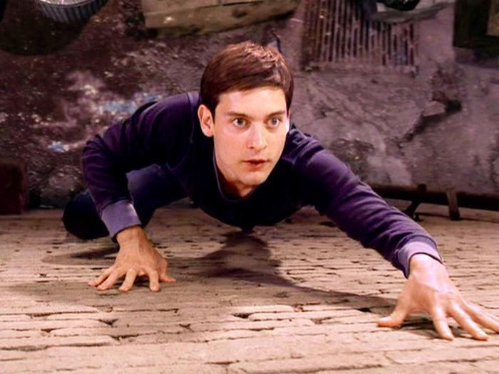 Spider-Man wall crawling in Spider-man film 2002