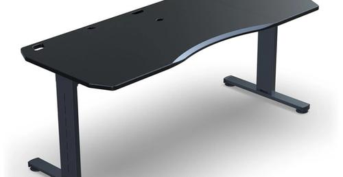 Halberd Chimera Strike Desk Review: A Premium Setup For Gaming, Streaming and Work