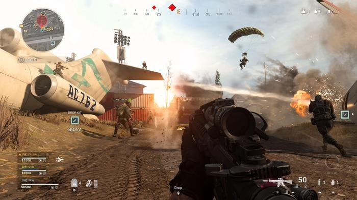 Gun fights taking place in Call of Duty Warzone