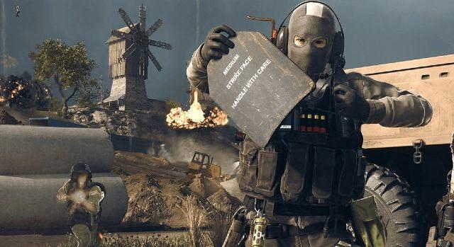 Warzone Operator Using Armour Plates