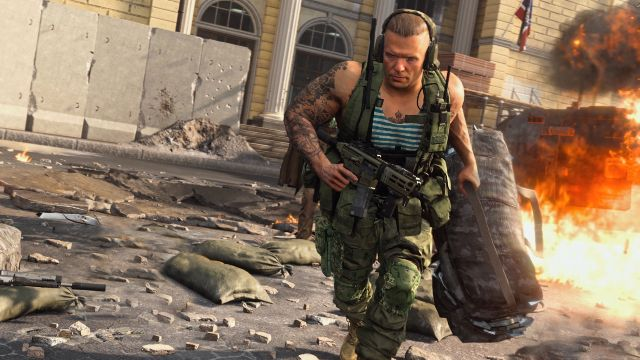 Warzone Operator Running From Explosion Carrying Duffel Bag Of Money