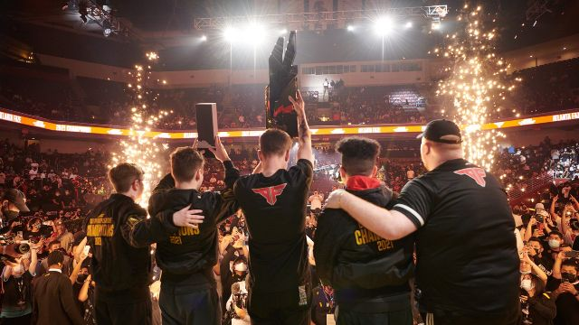 Atlanta FaZe CDL Team On Stage Lifting Trophies