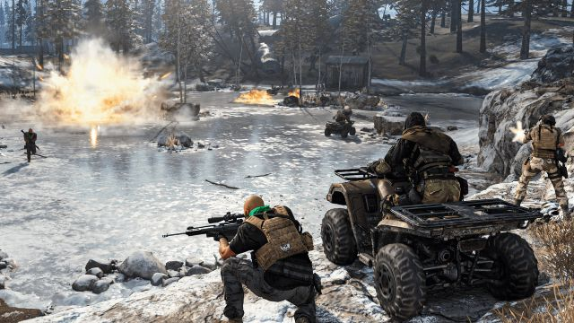 Warzone Operators Fighting On Frozen Lake