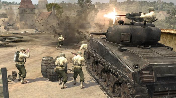 A battle with soldiers and a tank in Company of Heroes