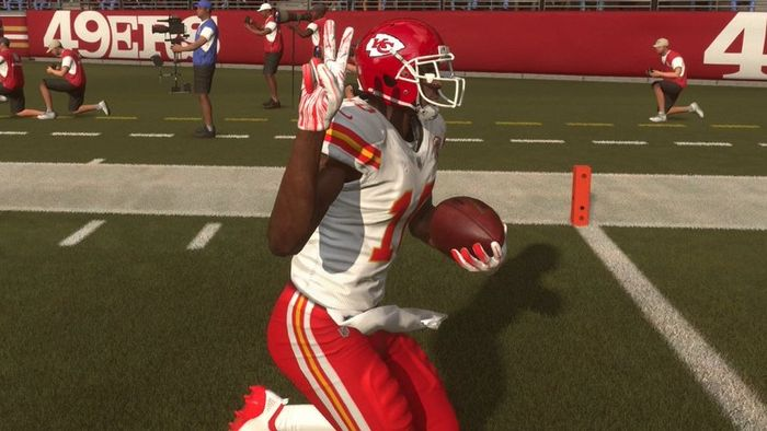 Madden 22 ratings speed wide receivers fastest tyreek hill