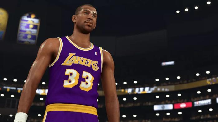 Kareem Abdul-Jabbar of the Lakers walks onto the court