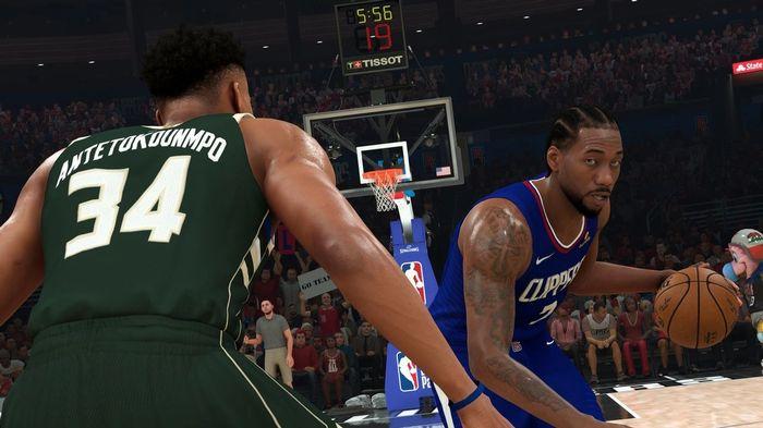 Bucks Forward, Giannis Antetokounmpo guards Clippers, Kawhi Leonard.